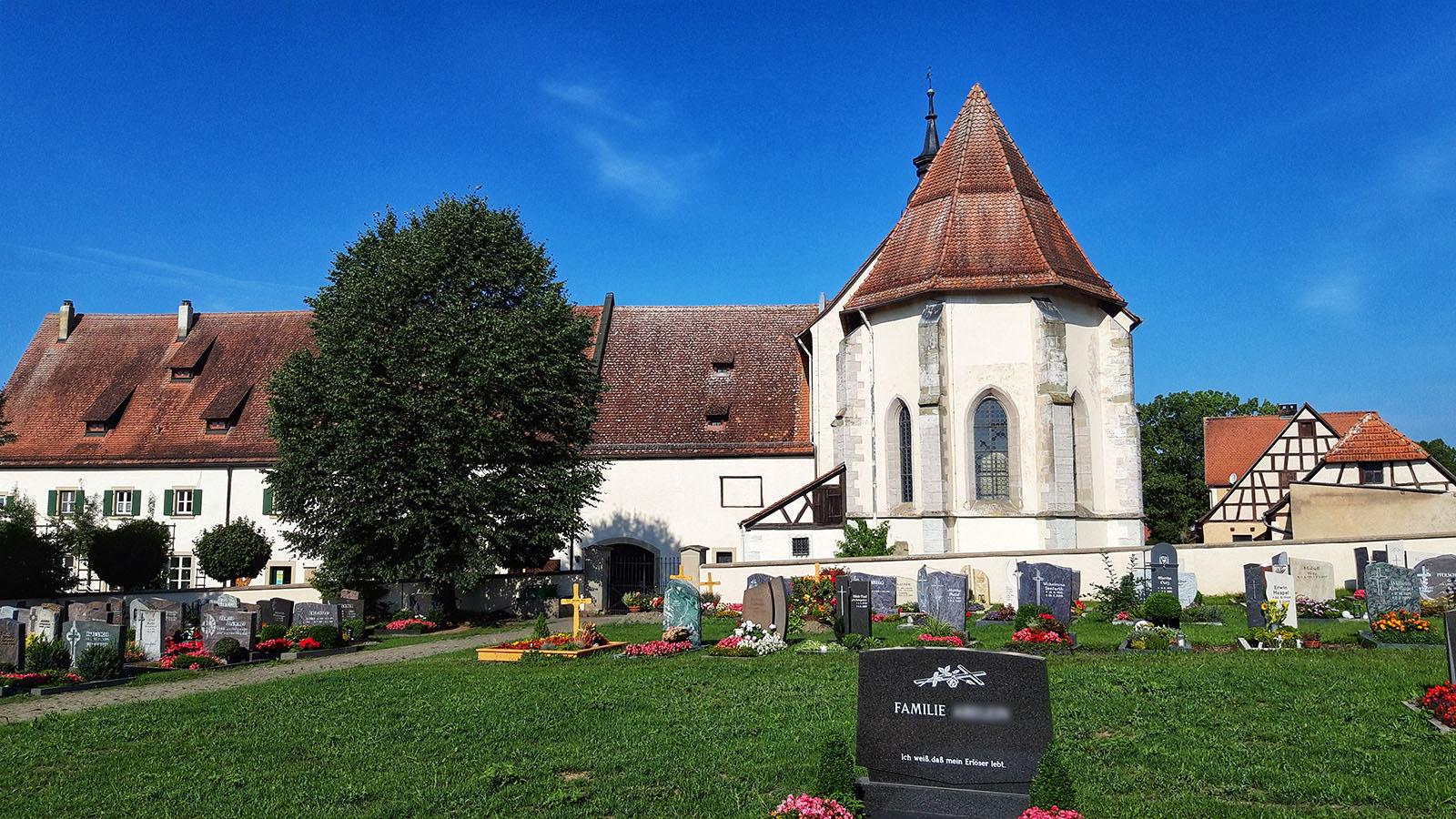 Eine der zahlreichen Kirchen am Weitwanderweg Romantische Straße