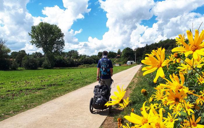 Unterwegs mit Pilgerwagen auf der Romantischen Straße