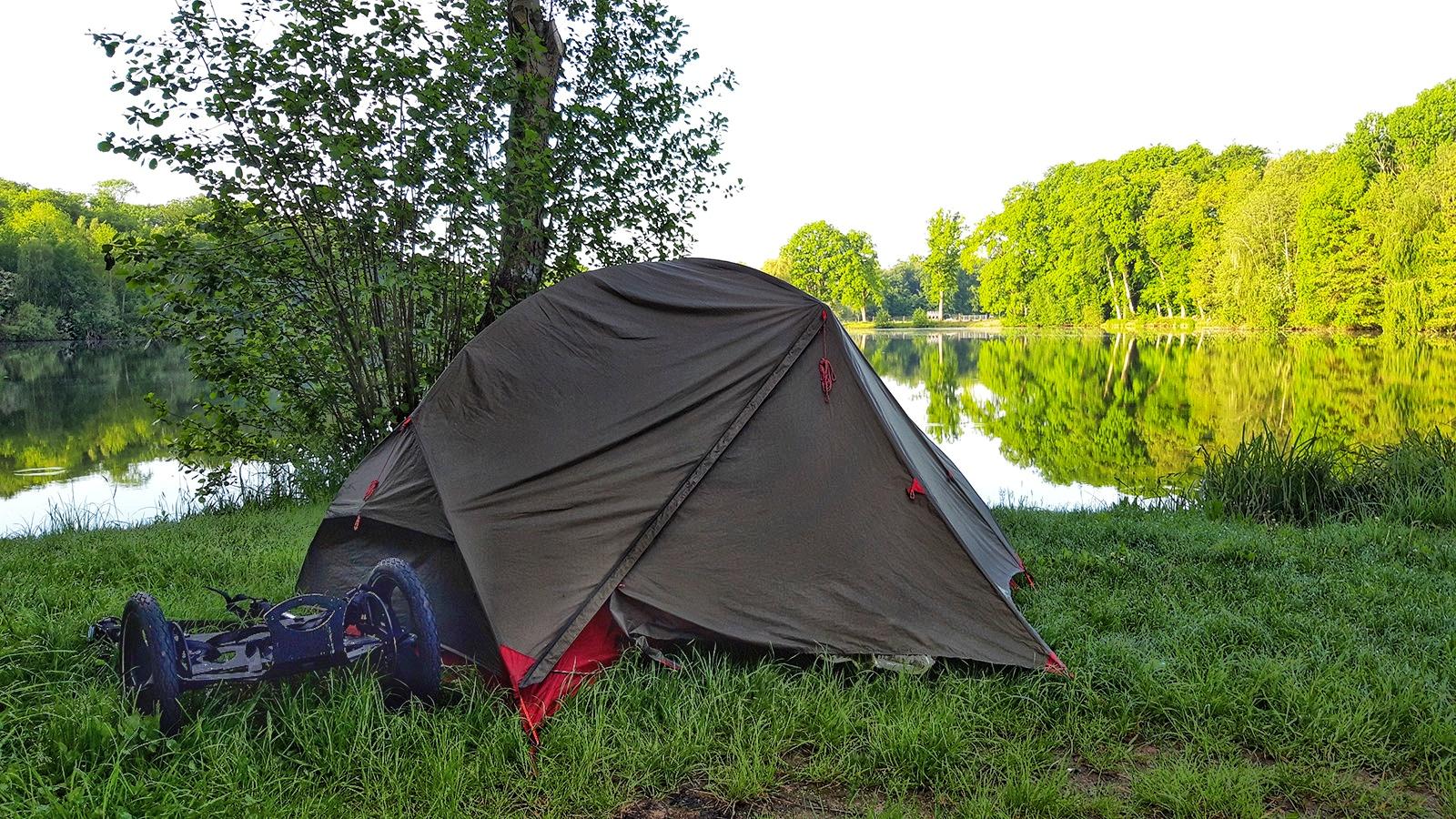 Kleines Zelt am Isenhagener See