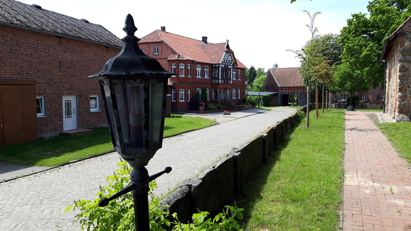 Alte Bauerhäfe im Rundling Eutzen