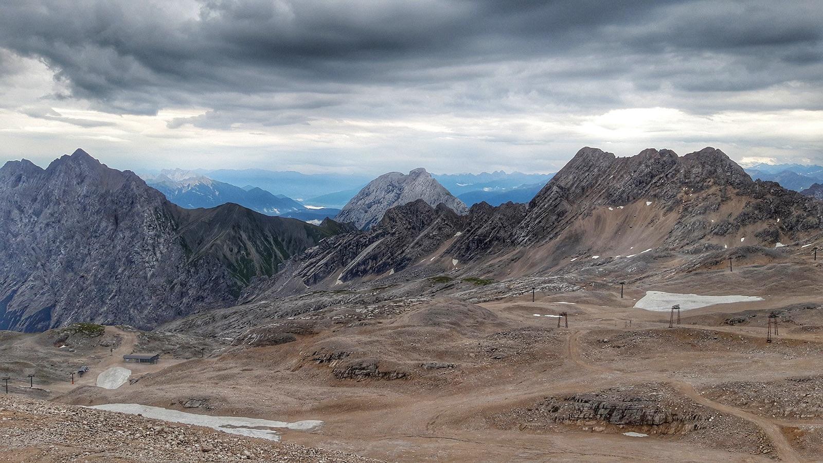Blick vom Zugspitzblatt auf benachbarte Berge